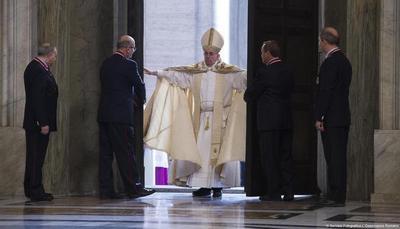 Papa-Francesco-apre-la-Porta-Santa-Non-abbiamo-paura_articleimage